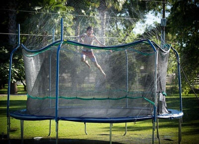 sadetin trampoliinille